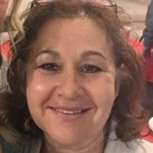 Housekeeper Provider Ereni Teixeira's Profile Picture