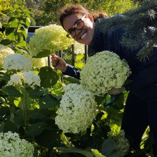 Gardener Provider Laura E's Profile Picture
