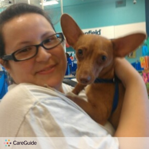 Pet Care Provider Esmeralda Salinas's Profile Picture