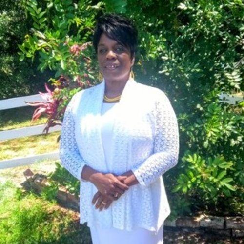 Elder Care Provider Willierene P's Profile Picture