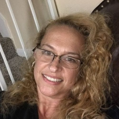 House Sitter Provider Laura W's Profile Picture