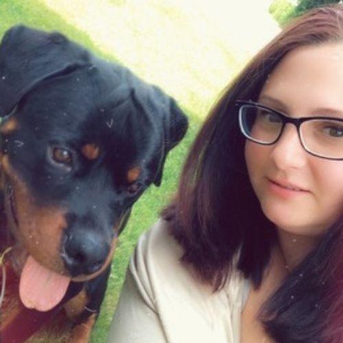 Pet Care Provider Tia B's Profile Picture