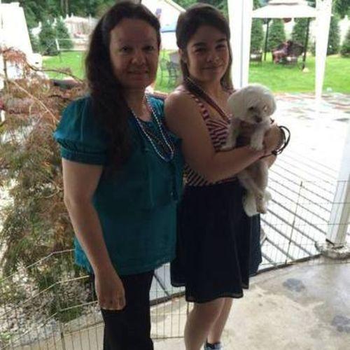 Pet Care Provider Aleida Roman's Profile Picture