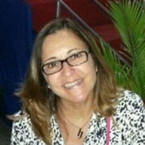 Housekeeper Provider Neide Freitas's Profile Picture
