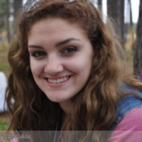 Canadian Nanny Provider Emma Timmins's Profile Picture