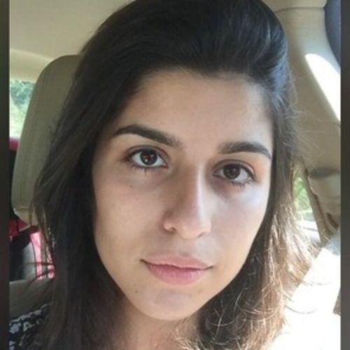 House Sitter Provider Julia Pignata's Profile Picture