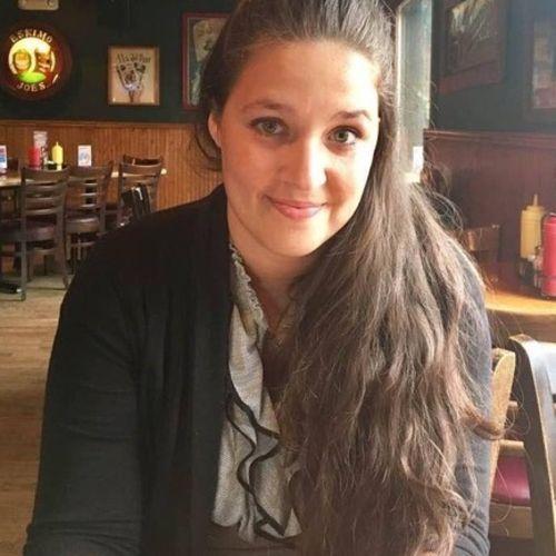 Pet Care Provider Amber T's Profile Picture