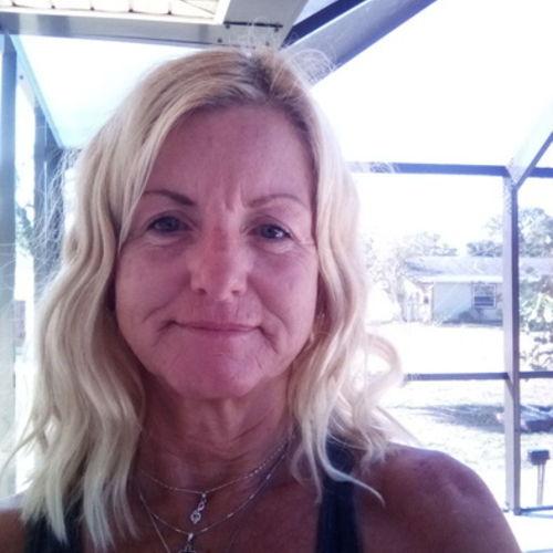 Elder Care Provider Carrie M's Profile Picture