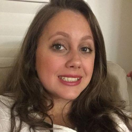 Housekeeper Provider Tamires Samsonas's Profile Picture