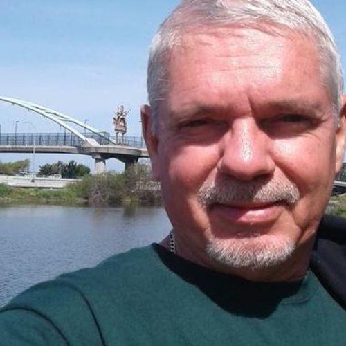 House Sitter Provider Leo W's Profile Picture