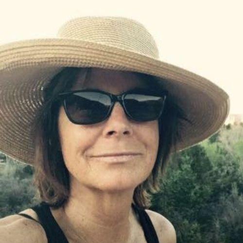 House Sitter Provider Hana Maris's Profile Picture