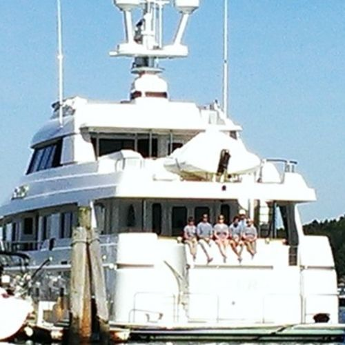 Mega Yacht in Miami needs shore based or onboard chef