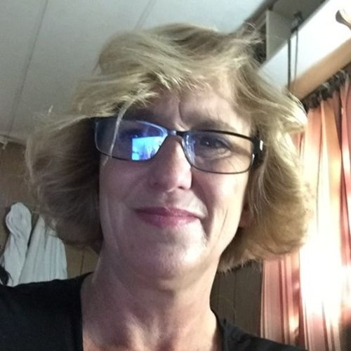 House Sitter Provider Holly H's Profile Picture