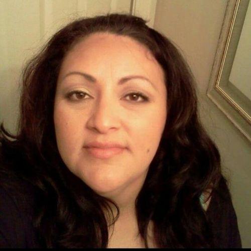 Pet Care Provider Ivonne M's Profile Picture