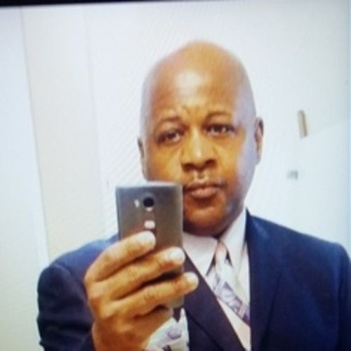 Housekeeper Provider Hosea Gathings's Profile Picture