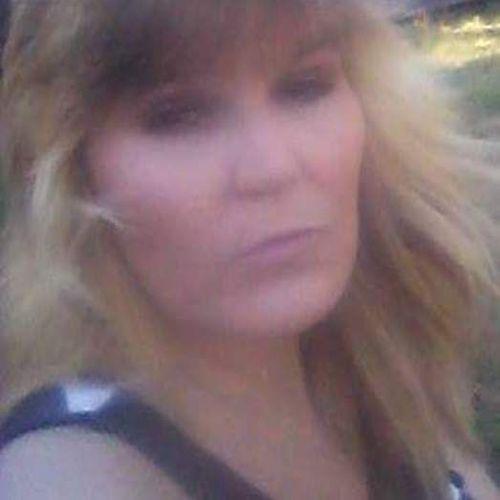 Pet Care Provider Lori Nichols's Profile Picture