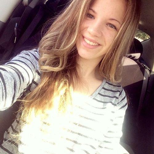 Canadian Nanny Provider Chloe Dube's Profile Picture