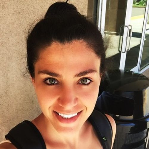 Housekeeper Provider Asliye Celik's Profile Picture