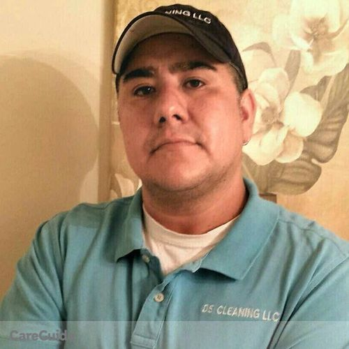 Housekeeper Provider Cristian Diaz's Profile Picture