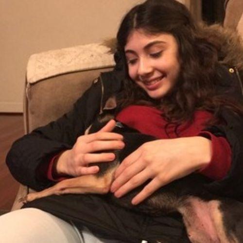 Pet Care Provider Arianna Castro's Profile Picture