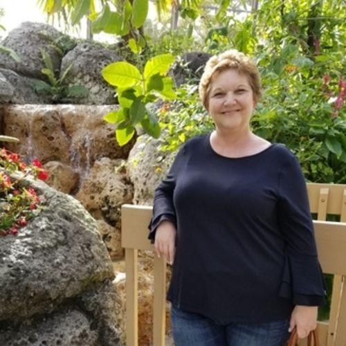 Pet Care Provider Lorraine Ruchalski's Profile Picture