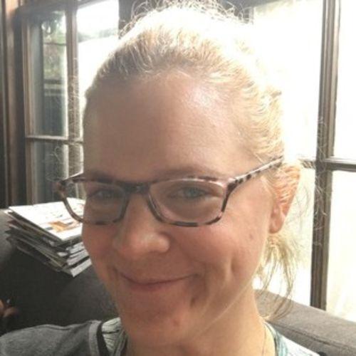 House Sitter Provider Liz Knapp's Profile Picture