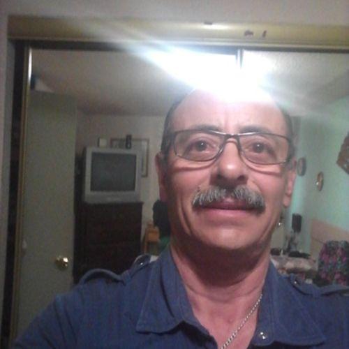 Handyman Provider Roberto D's Profile Picture