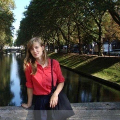 Canadian Nanny Provider Lauren R.'s Profile Picture