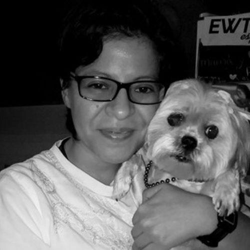 Pet Care Provider Emma Saavedra's Profile Picture