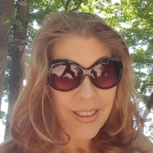 Housekeeper Provider Tonya Kingston's Profile Picture