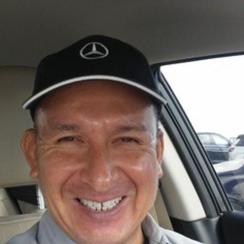 House Sitter Provider Julio Alfaro III's Profile Picture