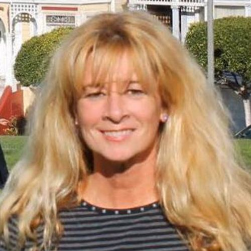 House Sitter Provider Lisa F's Profile Picture