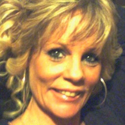 House Sitter Provider Raeann Smith's Profile Picture