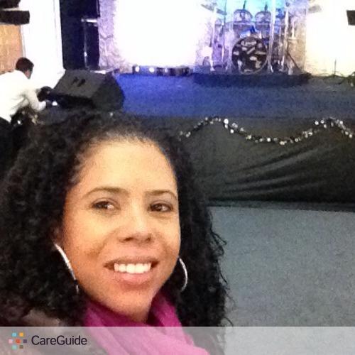 Housekeeper Provider Renata Silva's Profile Picture