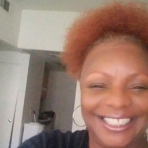Housekeeper Provider Dee Parker's Profile Picture