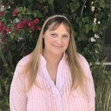El Segundo House and Plant Sitter Looking For Being Hired in California