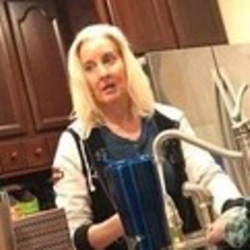 Housekeeper Job Kim L's Profile Picture