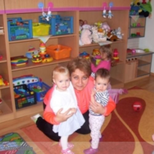Canadian Nanny Provider Eniko H's Profile Picture