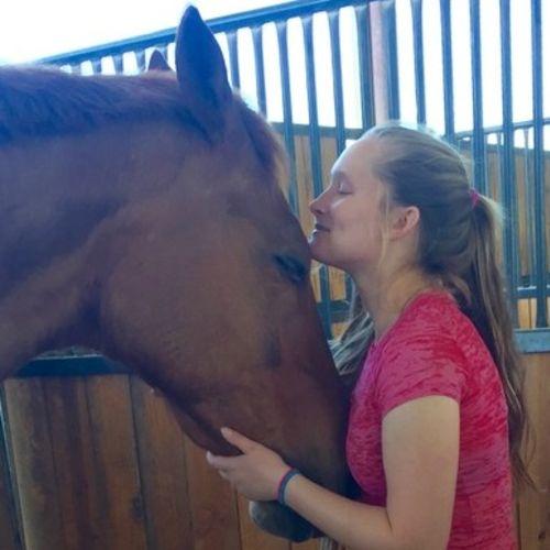 House Sitter Provider Zoe Bragg's Profile Picture
