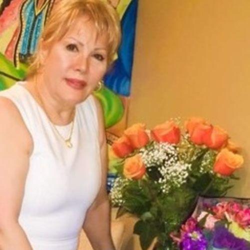 Elder Care Provider Behnaz T's Profile Picture