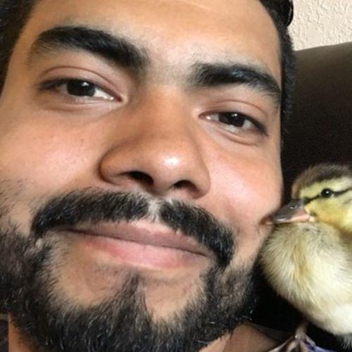 Pet Care Provider Eric Hernandez's Profile Picture