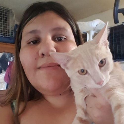 Pet Care Provider Viviana Mendez's Profile Picture