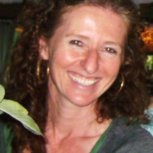 Canadian Nanny Provider Elizabeth Mussalati's Profile Picture