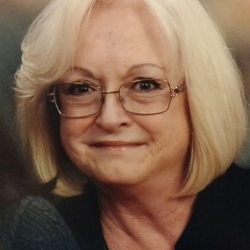 House Sitter Provider Lori Taylor's Profile Picture