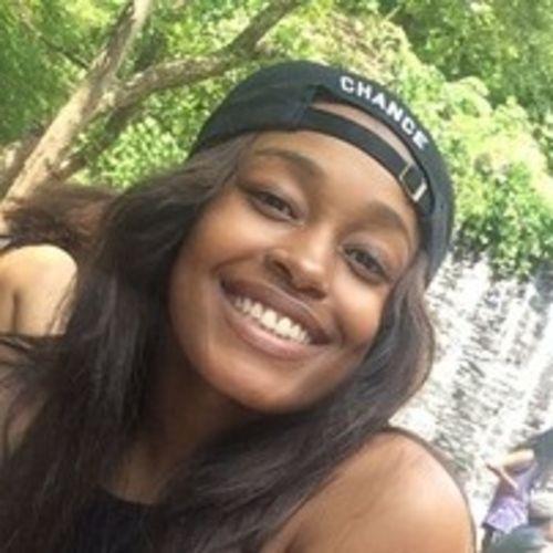 House Sitter Provider Erica M's Profile Picture