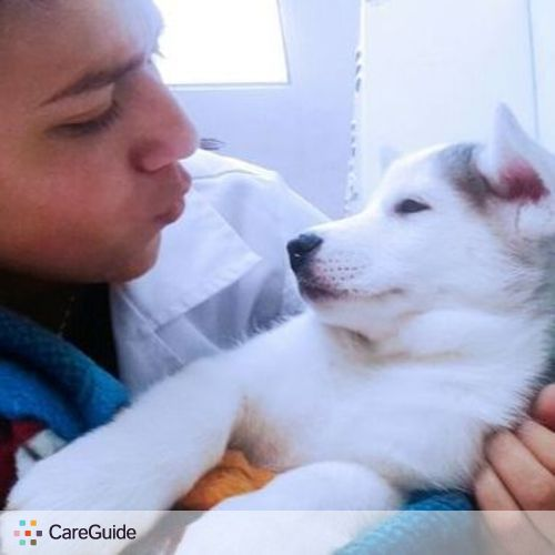 Pet Care Provider Camila Parada's Profile Picture