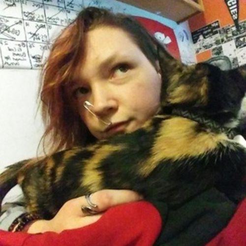 Pet Care Provider Sara V's Profile Picture
