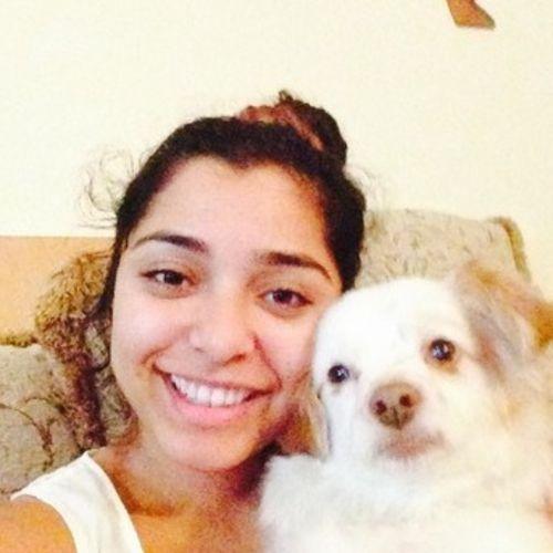 Pet Care Provider Emily V's Profile Picture