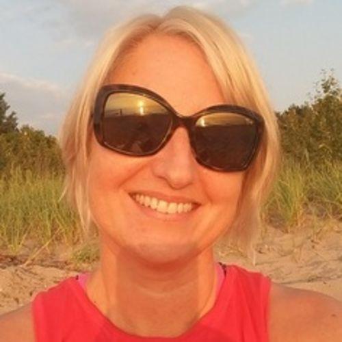 Pet Care Provider Lori T's Profile Picture